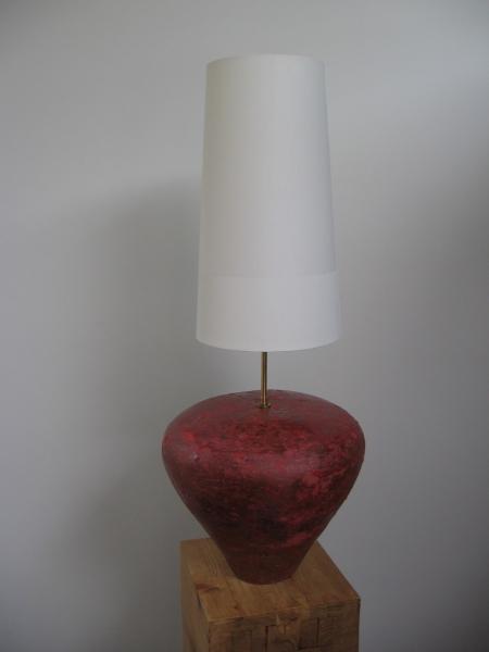 Lampe en grès coloré grenat